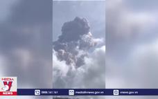 Núi lửa La Soufriere bất ngờ phun trào mạnh