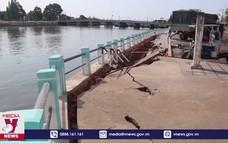 Mưa lớn tại Bình Thuận gây sụt lún kè sông Cà Ty