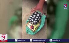 Nghệ An bắt vụ vận chuyển 6kg ma túy đá và 4 bánh heroin