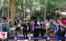17 thợ lặn giải cứu nhà sư Thái Lan bị mắc kẹt trong hang