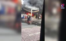Cháy 3 căn nhà vùng ven TP.HCM