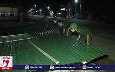 Giông lốc gây nhiều thiệt hại tại huyện Cẩm Xuyên
