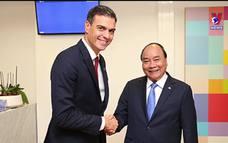Việt Nam với bạn bè quốc tế ngày 17/5/2021