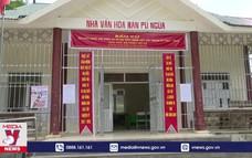 Đồng bào H'Mông ở xã Pù Nhi trước ngày bầu cử