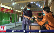 Bầu cử sớm ở ngôi làng giữa núi rừng Bình Định