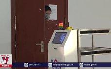 Hệ thống robot y tế vận chuyển tham gia chống dịch