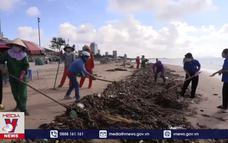 Vũng Tàu thu gom hơn 70 tấn rác trôi dạt vào bờ biển