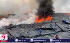 Cháy bãi rác lớn nhất Đà Nẵng