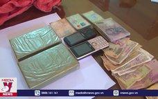 Điện Biên bắt vụ mua bán 2 bánh heroin