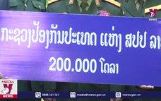 Bộ Quốc phòng Lào ủng hộ Việt Nam 200.000 USD phòng, chống COVID-19