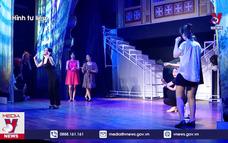 Tìm hướng gỡ khó cho sân khấu