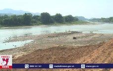 Lào Cai xử lý nghiêm DN đổ thải ra sông Hồng