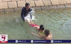 13 năm dạy bơi miễn phí cho trẻ em vùng trũng