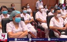 Hơn 100 y, bác sĩ Hải Phòng chi viện TP.HCM chống dịch COVID-19