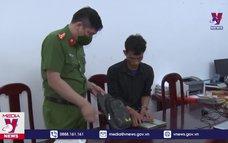 Bắt 2 đối tượng mua bán trái phép 3 bánh heroin tại Lai Châu
