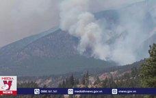 Canada điều quân đội hỗ trợ khống chế cháy rừng