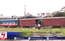 Đường sắt Việt Nam vận chuyển thiết bị y tế hỗ trợ cho các tỉnh phía Nam