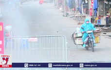 Chợ Long Biên vẫn có người ra vào sau 1 ngày phong tỏa