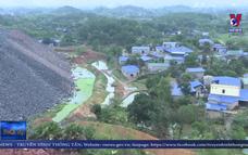 Xây dựng đón đền bù quanh bãi đổ thải mỏ than