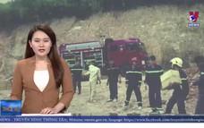 Xe tải chở gần 5 tấn thuốc nổ bị lật ngửa tại Quảng Trị
