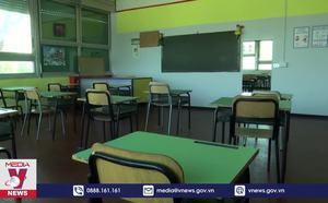 Italy mở cửa trở lại trường học trên cả nước