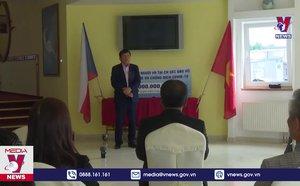 Cộng đồng người Việt Nam tại Séc ủng hộ Quỹ phòng chống COVID-19