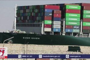Giao thông qua kênh đào Suez được nối lại