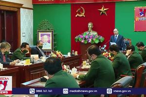 Chủ tịch nước kiểm tra công tác SSCĐ tại Quân khu 7