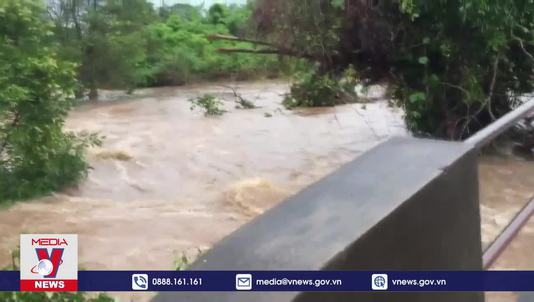Mưa lớn gây lũ lụt nghiêm trọng tại Campuchia