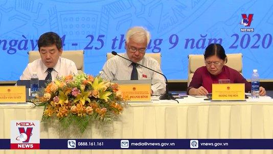 Quốc hội giám sát việc đổi mới chương trình SGK