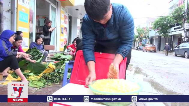 Nghệ An: Hàng nghìn chiếc bánh chưng nghĩa tình gửi người dân vùng lũ