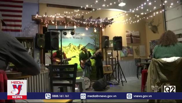 """""""Thắp sáng'' kinh tế đêm thời COVID-19"""